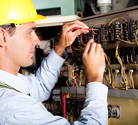 A residential electrician from Joondalup fixing an Emergency Electrical Service in Perth